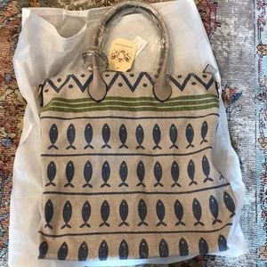NWT SHIMMERY TOTE WITH CUTE LITTE FISH